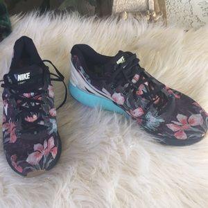 Nike Lunarglide 6 size 11 blue Floral design